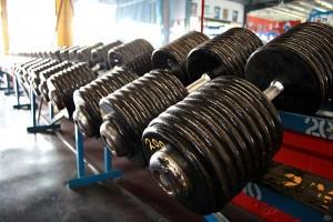 640px-Heavy_Dumbbells_200_pound